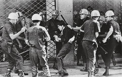 Resultado de imagem para trauma na ditadura